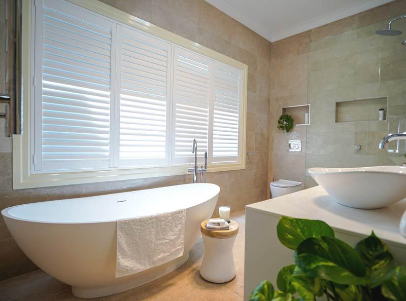 Large Bathroom Bathtub Renovation Brisbane - KBDI 2019 Finalist