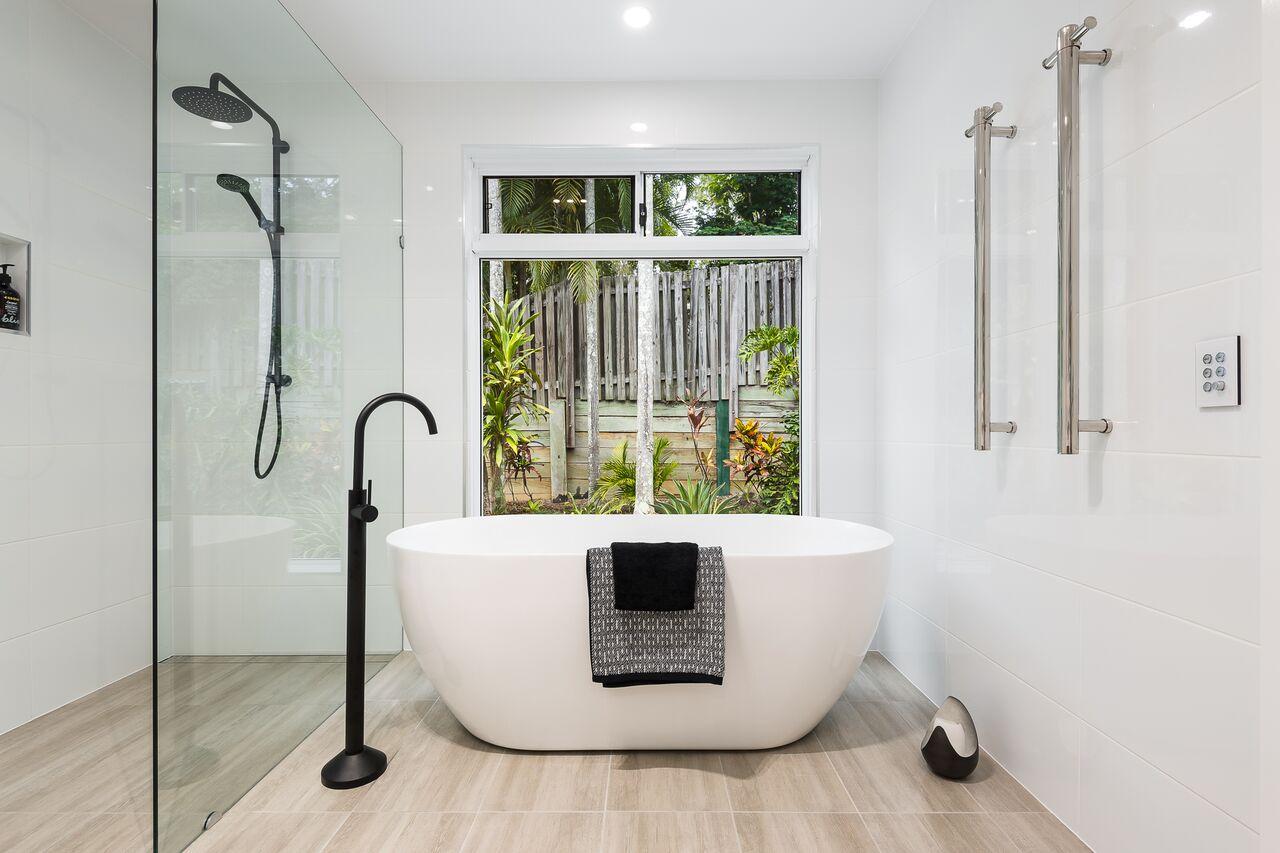 Large Bathroom Renovation KBDI 2018 QLD Award Finalist